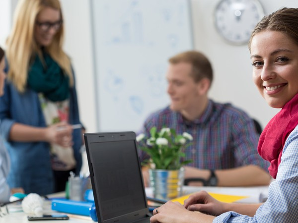 college intern at the office_GettyImages-479946048