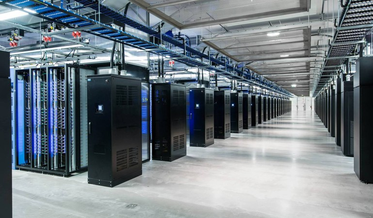 lulea-fb-data-center-interior
