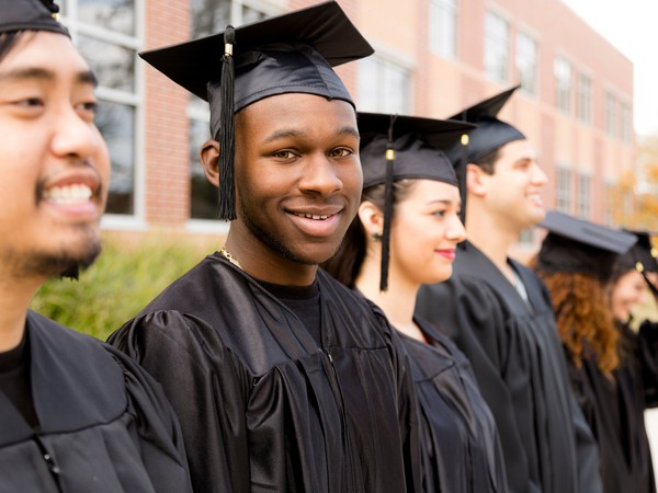 College GettyImages-512827526
