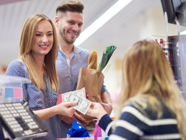 GettyImages groceries cash checkout
