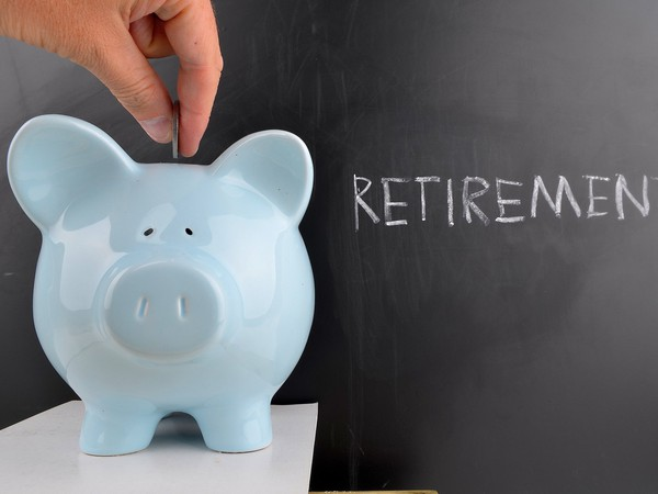 retirement piggy bank_how much save in IRA_GettyImages-498426671