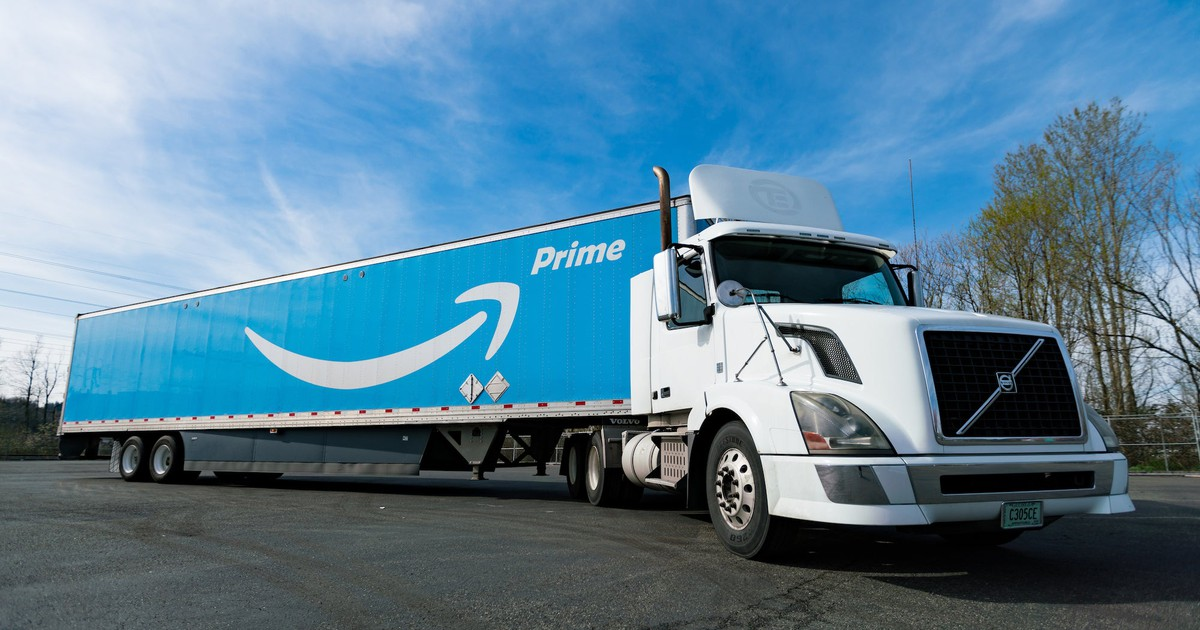Walmart To Go vs  AmazonFresh: Which Deserves Your Grocery