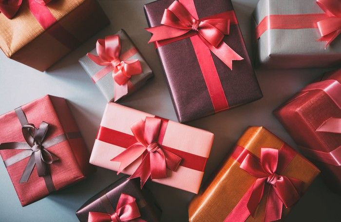 Here\'s What the Average American Spends on Holiday Gifts -- The ...