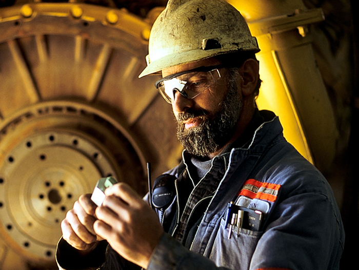 An image of a Barrick Gold employee.