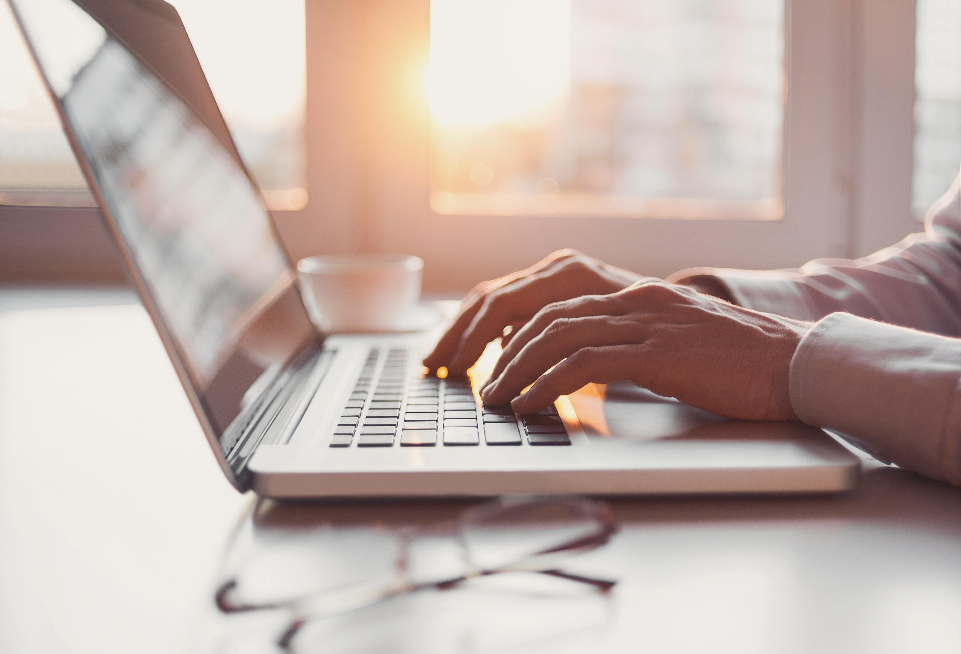 Man using a laptop computer