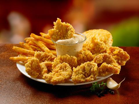 Popeyes' Dip'n Chick'n platter.