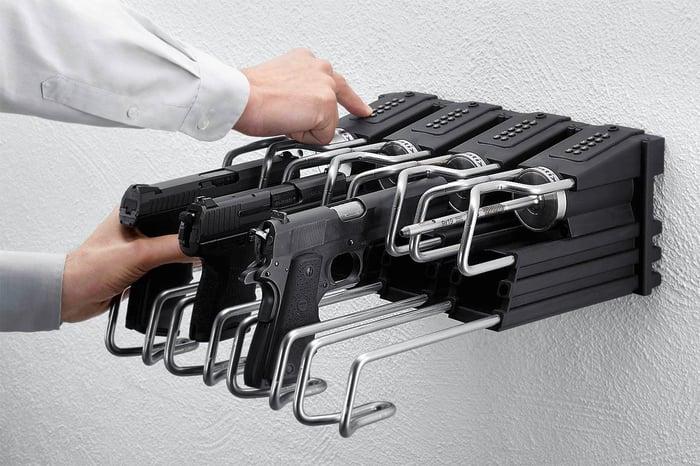 Locking station for Armatix smart guns