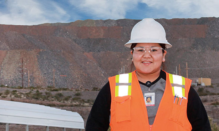 An image of a Freeport-McMoRan employee.