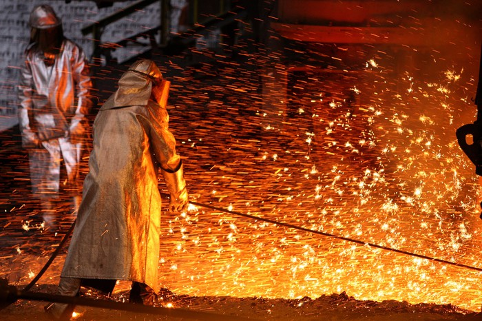 Steelmaking at a blast furnace