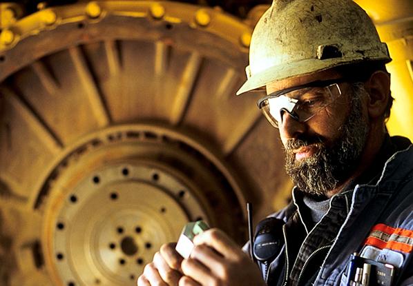 An image of a Barrick Gold employee.