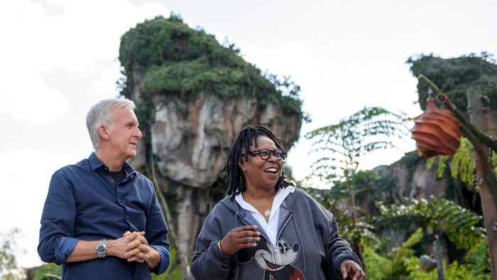 James Cameron and Whoopi Goldberg check out Disney's Avatar -- The World of Pandora.
