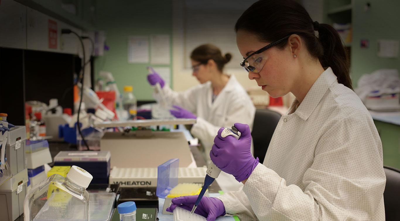 Researcher in a lab.