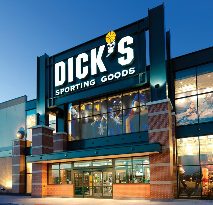 A Dick's Sporting Goods locaiton.
