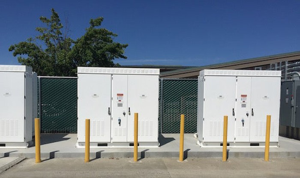 Tesla Powerpacks installed in California.