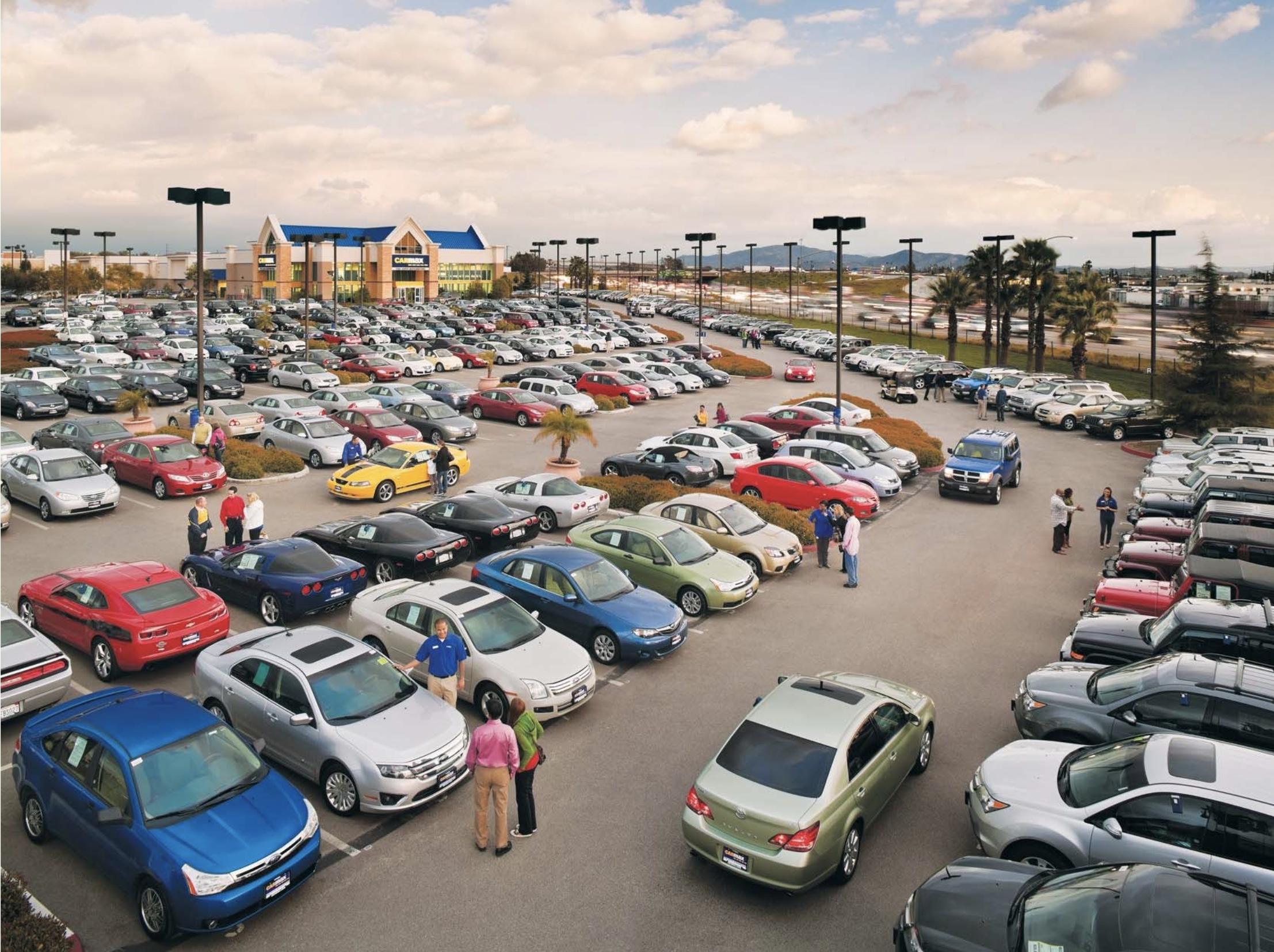 Carmax store lot
