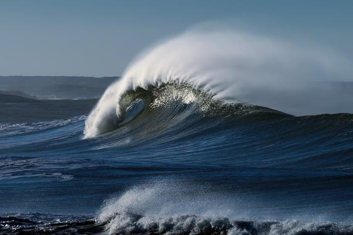 Ocean wave crashing