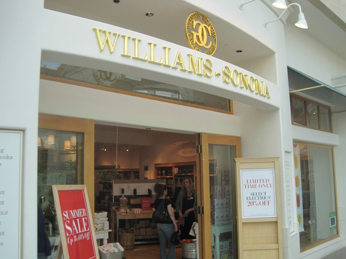 A Williams-Sonoma inside a mall