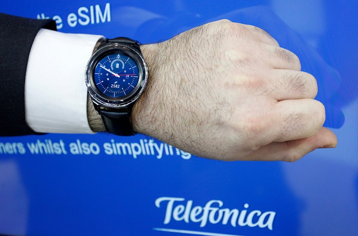 Telefonica's smartwatch services in action.