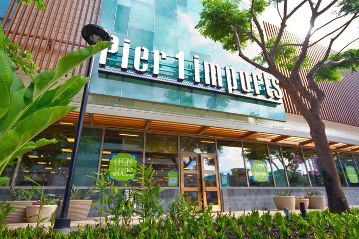 Pier 1 storefront in Honolulu, Hawaii