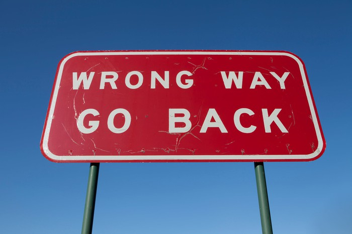 """Wrong way go back"" sign."