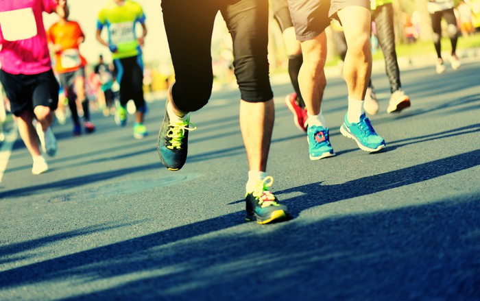 Picture of runners running.