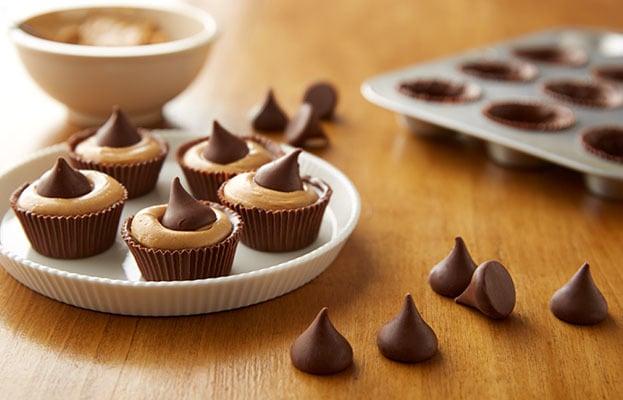 A Hershey chocolate Kiss dessert