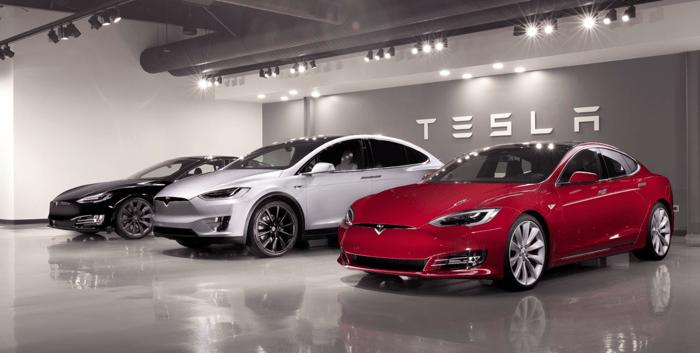 Tesla Model X and S vehicles.