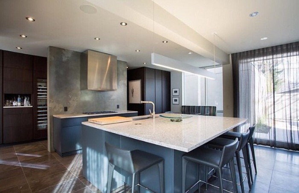 A white Caesarstone kitchen countertop.