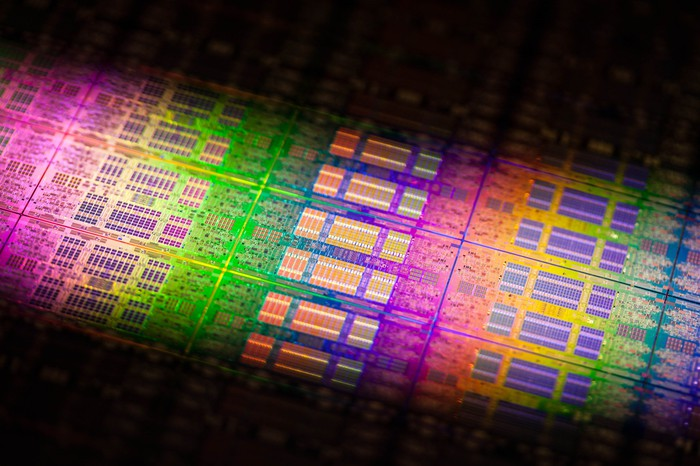 A wafer of Intel server chips
