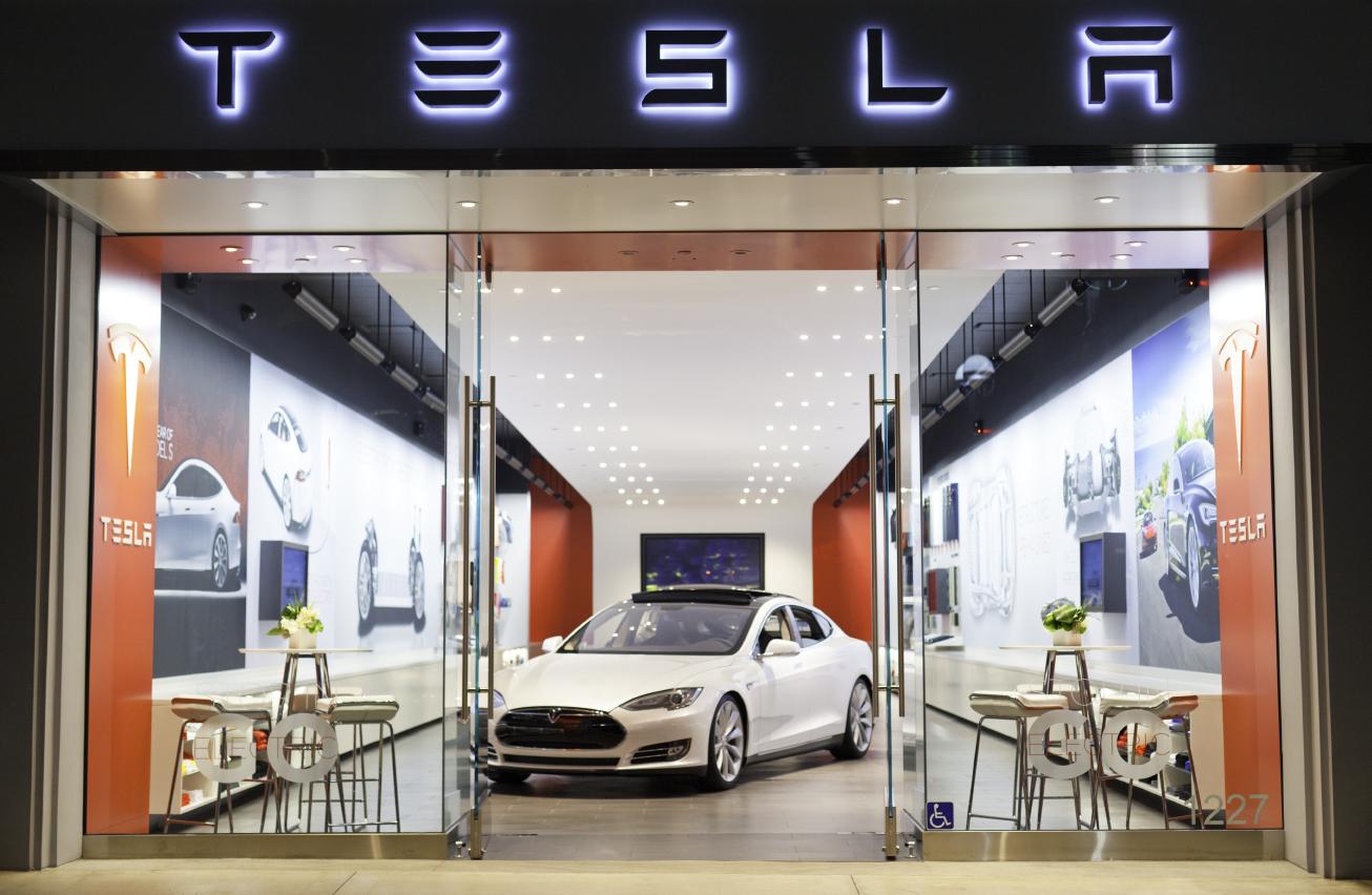 Tesla's 3rd Street storefront in Santa Monica, California.