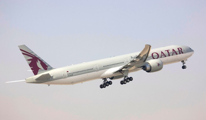 A Qatar Airways plane