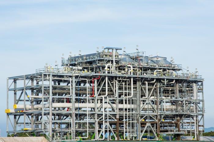 LNG refinery