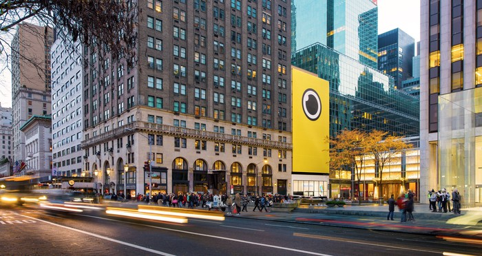 Snap Spectacles banner on the side of a building