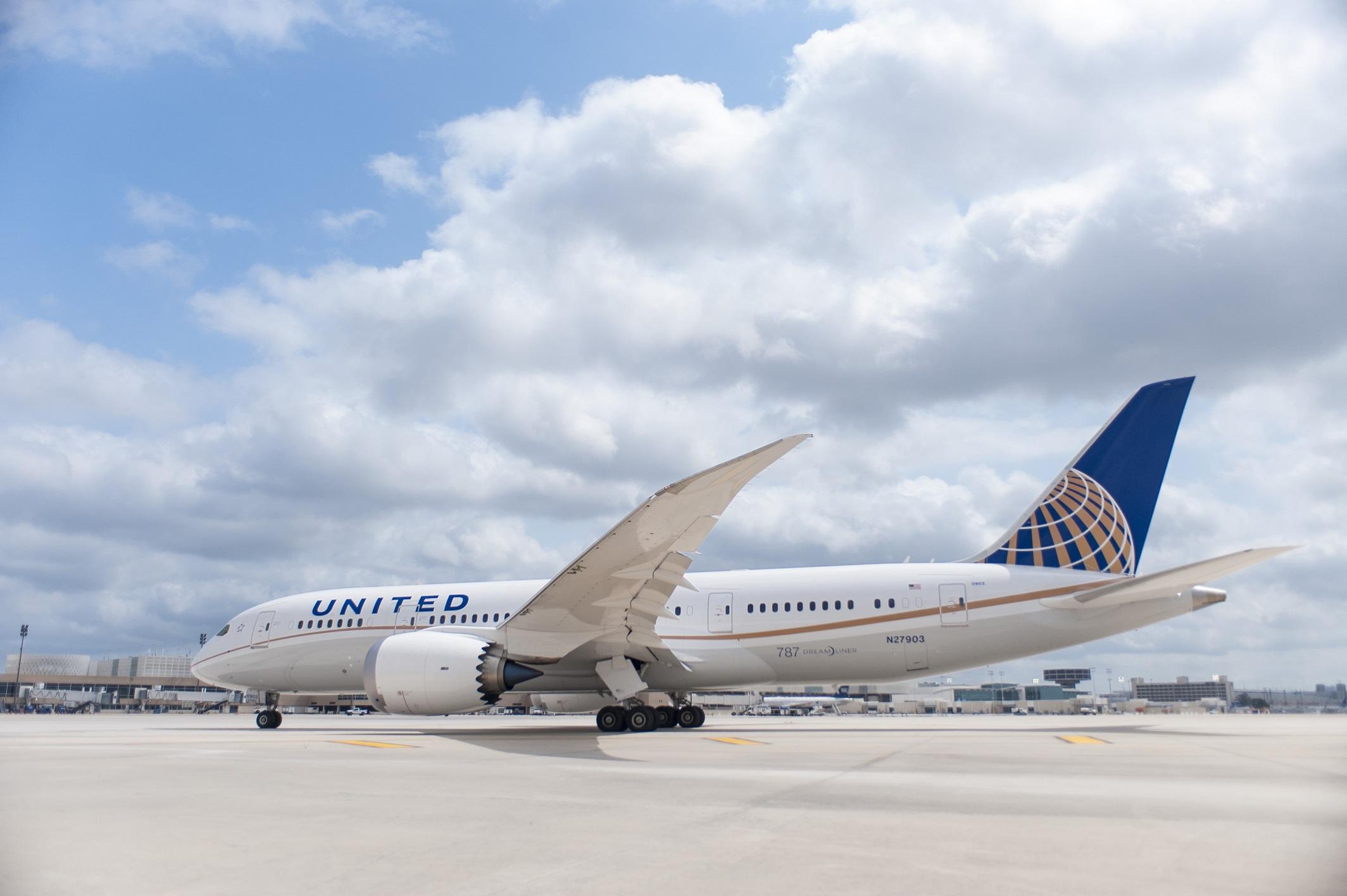 United Dreamliner.