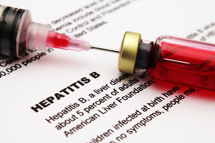 Hepatitis B definition with syringe.