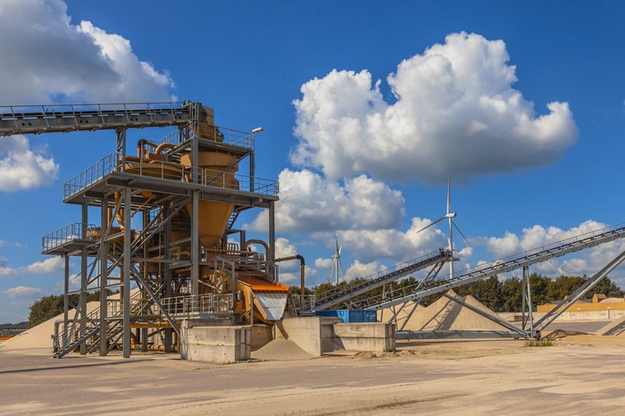 Sand mine and equipment
