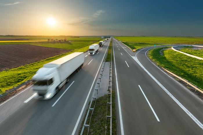 """Driverless truck""的图片搜索结果"