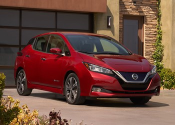 2018_Nissan_Leaf_06_close