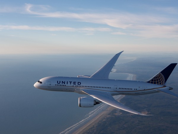 Airline-United Continental-UAL-Boeing 787 Dreamliner
