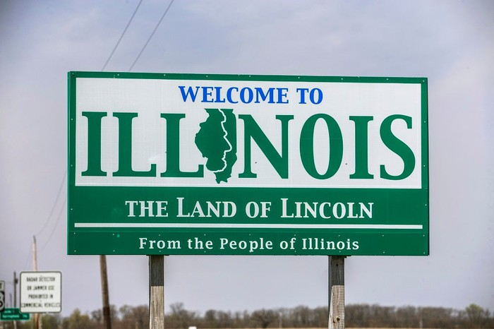 """""""Welcome to Illinois"""" road sign."""