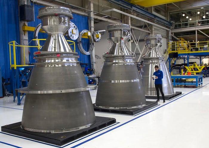 3 BE-4 rocket engines