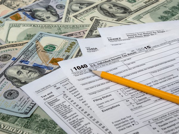Tax GettyImages-507839992