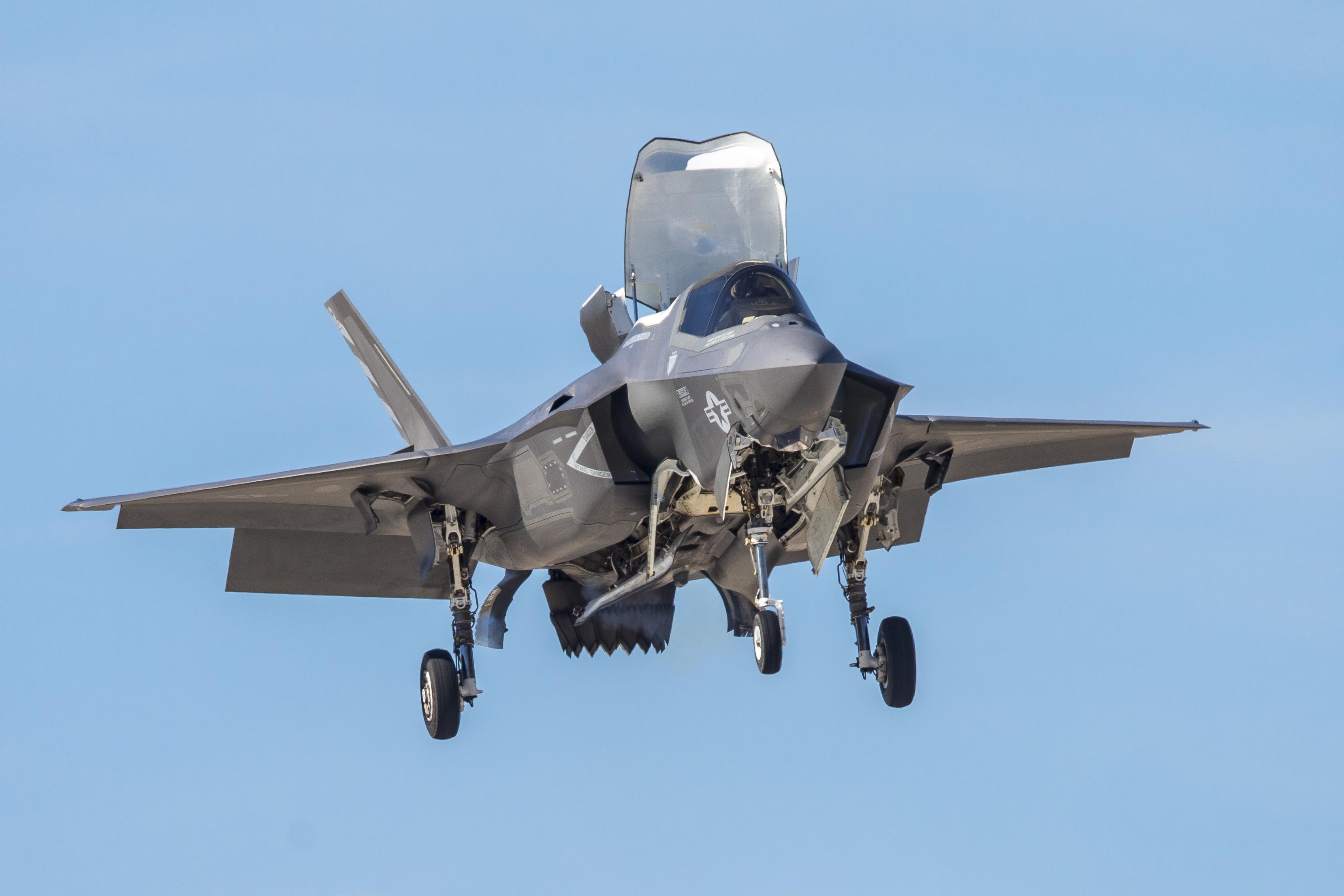 F35 hovering midair