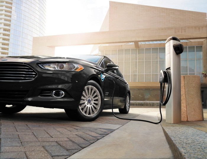 Ford's Fusion Energi plugged in charging