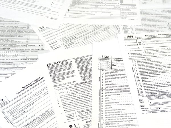 Tax Forms GettyImages-495226430