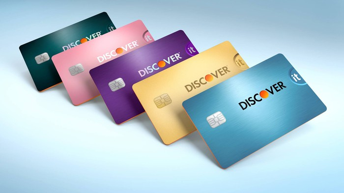 Several Discover it credit card designs.