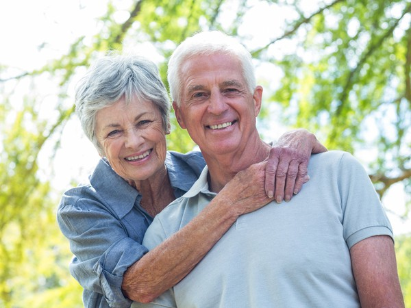 smiling senior couple outdoors_GettyImages-481772280