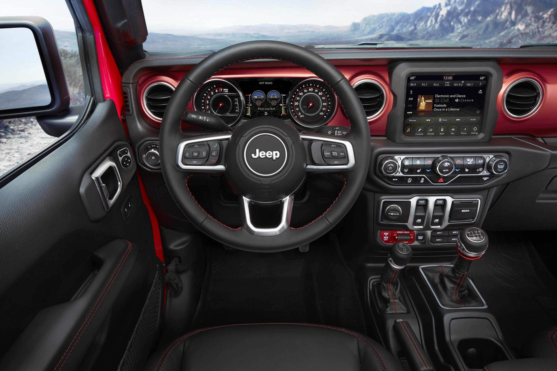 The dash of a 2018 Jeep Wrangler Rubicon.