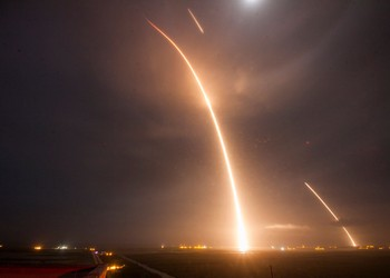 SpaceX launches and landings