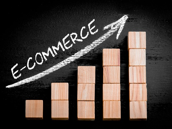 Ecommerce-GettyImages-472152322